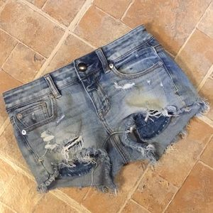 American Eagle distressed jean shorts size 0